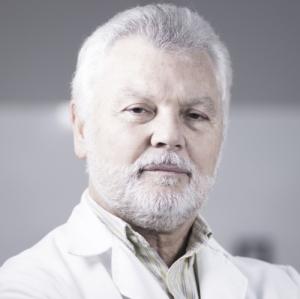 Dr. Arturo Fernández Bretón