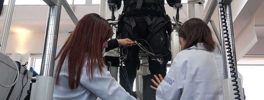 Robo-suit and virtual reality reverse some paralysis in people with spinal cord injuries | Science | AAAS